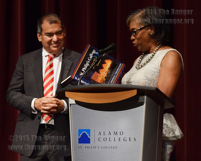 St. Philip's President Adena Williams Loston thanks ABC journalist Jim Avila after he spoke at the Presidential Lecture Series Oct. 1 in Watson Fine Arts Center. Photo by Cassi Armstrong