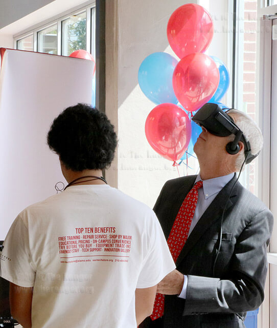 Alamo Colleges Chancellor Dr. Bruce Leslie explores the human body during a virtual reality demonstration at the new technology store inside Duran Welcome Center Aug. 25, 2016.  Photo by Brandon A. Edwards