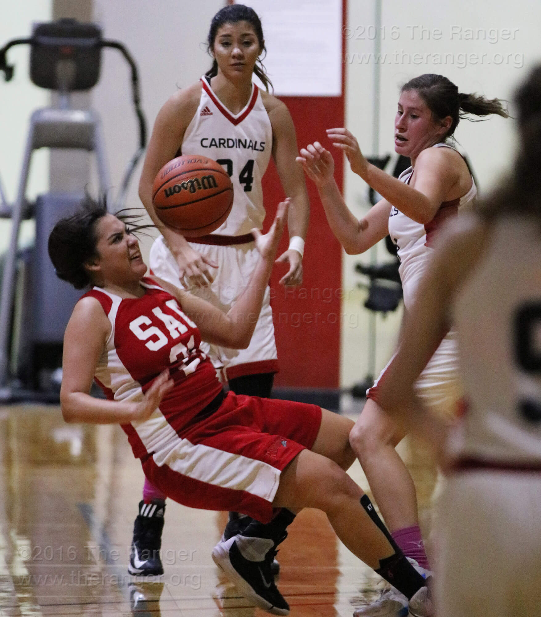31ce73c8 Women's basketball team falls 52-43 to Cardinals in season opener